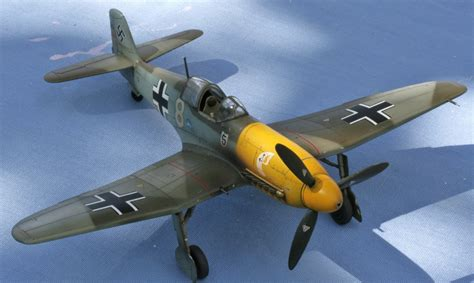 The Great Canadian Model Builders Web Page!: HE 100