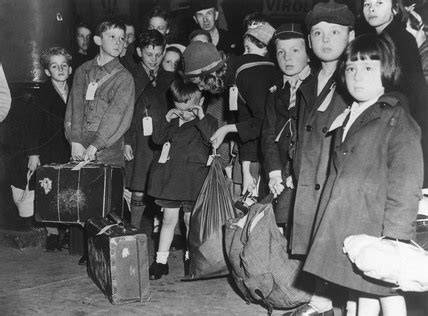 Children being evacuated from London, 1944
