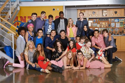 """NickALive!: """"Degrassi"""" Heads To Netflix For """"Next Class"""""""