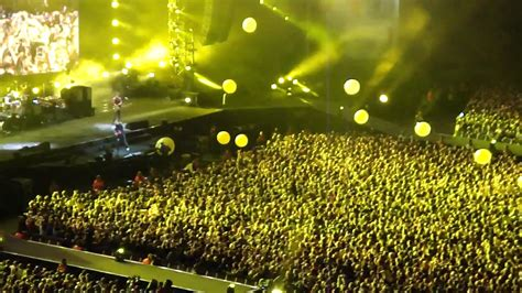 Coldplay Yellow live London / Wembley 18/09/2009 - YouTube