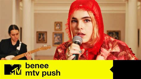 BENEE Performs 'Supalonely' + Extended Interview (MTV Push