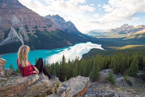 10 Unreal Lakes in Banff, Canada